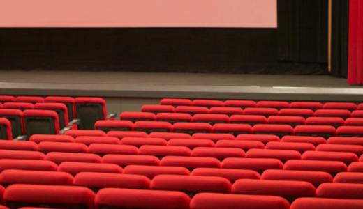 映画館では吹き替えと字幕のどちらがよい?メリット・デメリットを比較